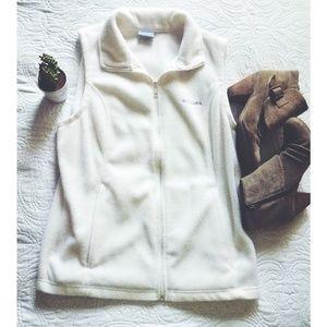 Fleece Cloumbia Vest: White